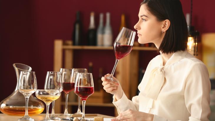 Il vino italiano cresce grazie alle donne: il 28% delle cantine è rosa